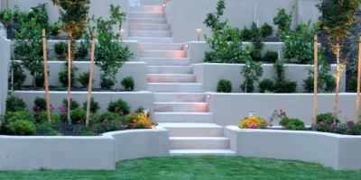 Multi-level-plastered-retaining-wall-with-planters-DT-5479239-e1411543516957