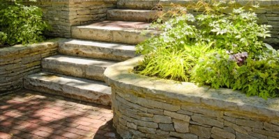 Natural-stone-steps-and-retaining-wall-DT-14999855-e1411543200548